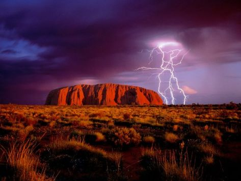 Ayers rock in Uluru national park - Photograph by Mark Laricchia/Corbis